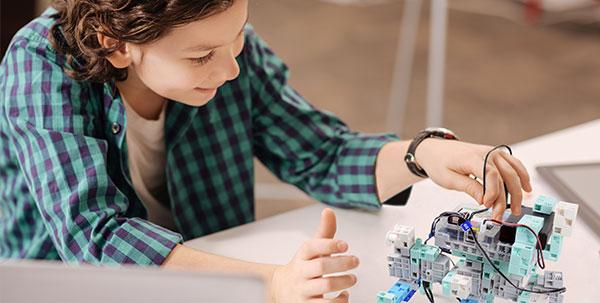ado activité enfant robot codage